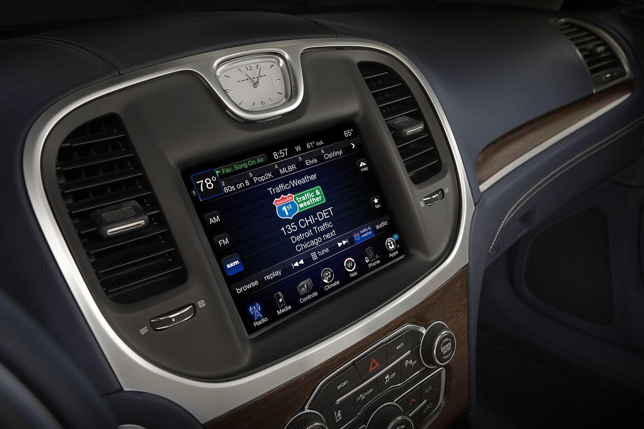 Fiat Chrysler- CarPlay