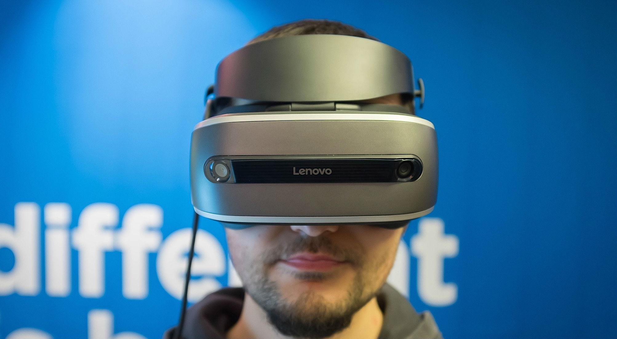 Lenovo-Windows Holographic VR headset