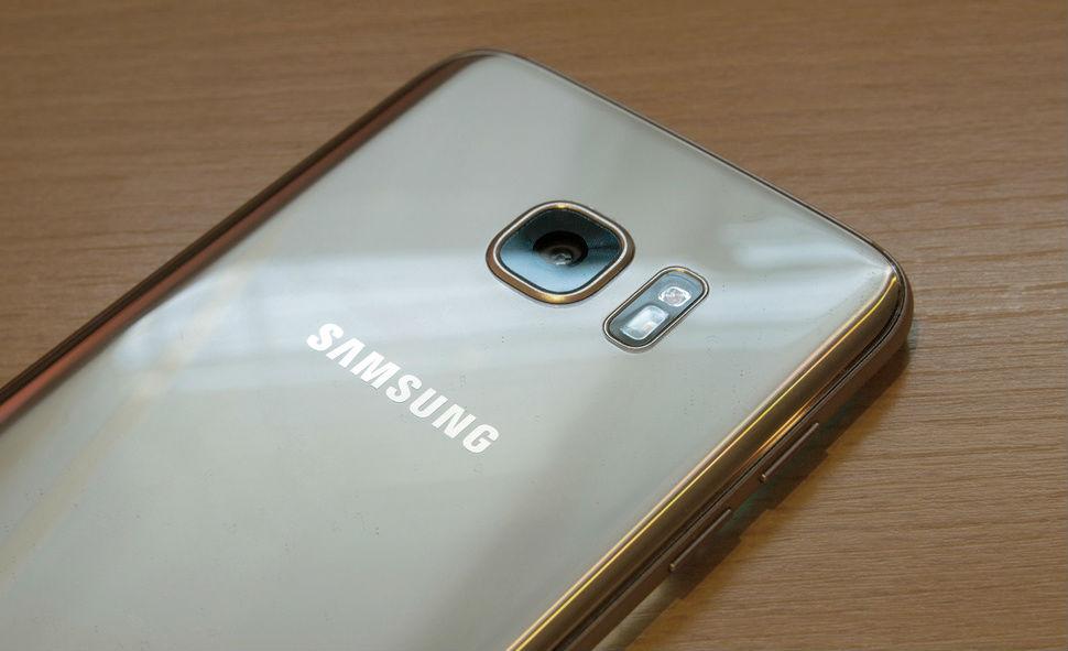 تسريبات:سامسونج تحاول الحصول على دعم LG لتصنيع بطاريات Galaxy S8