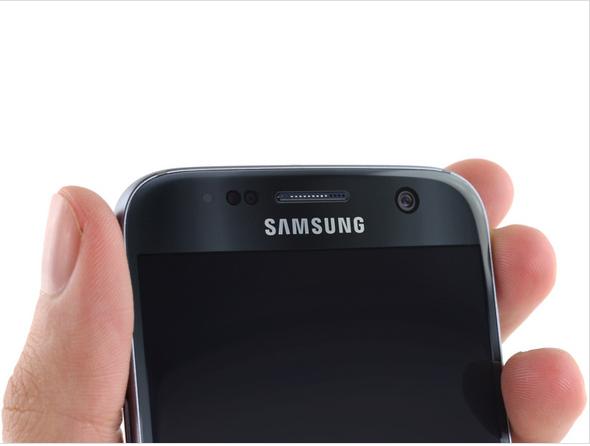 Samsung Galaxy S7 Teardown 1