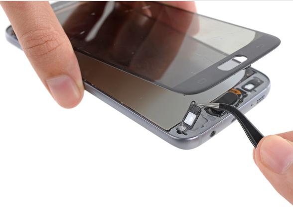 Samsung Galaxy S7 Teardown 17