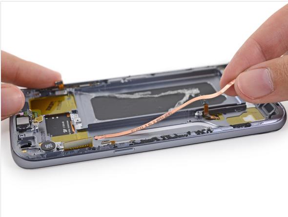 Samsung Galaxy S7 Teardown 18