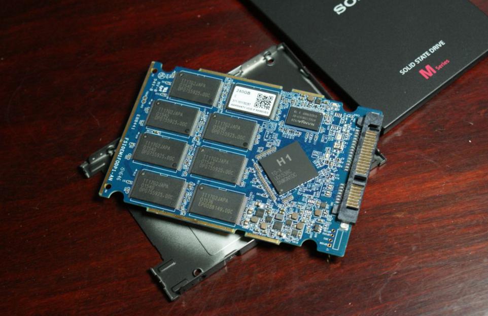 Sony-SSD-SLW-M