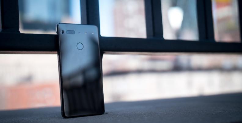 نظرة على أبرز 5 مميزات في هاتف Essential