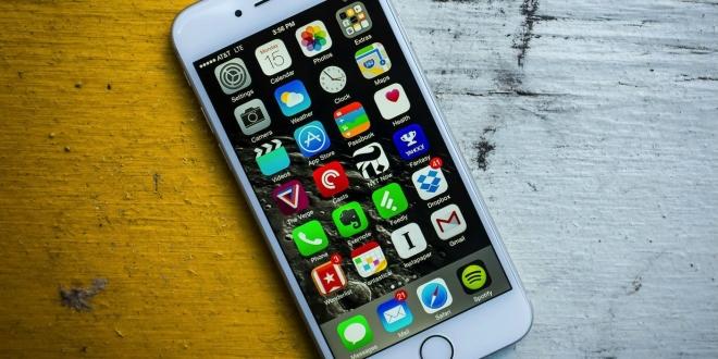 اخبار الامارات العاجلة iPhone-2-660x330 فيديو يكشف عن ثغرة تؤدي إلى تجميد كامل لهاتف الأيفون أخبار التقنية  آيفون reddit mp4 iphone ios 10.2 ios 10.1 imessage