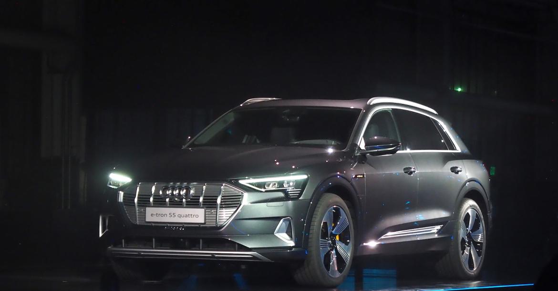 Audi تبدأ شحن سيارة e tron في 2019 بسعر يبدأ من 74800 دولار