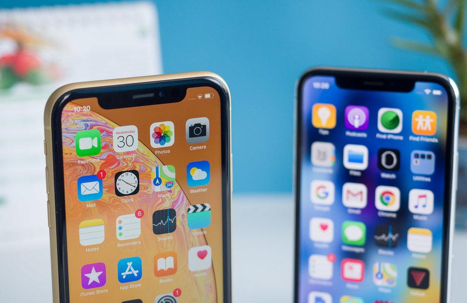 ابل تقدم هواتف الأيفون في 2020 بنتوء في الشاشة مميز بحجم أصغر