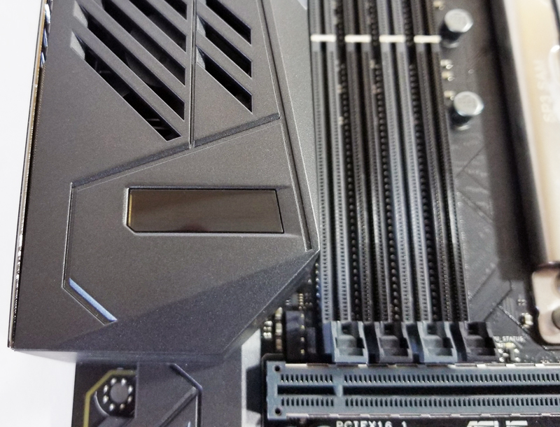 ASUS-X399-Zenith-Extreme-LiveDash