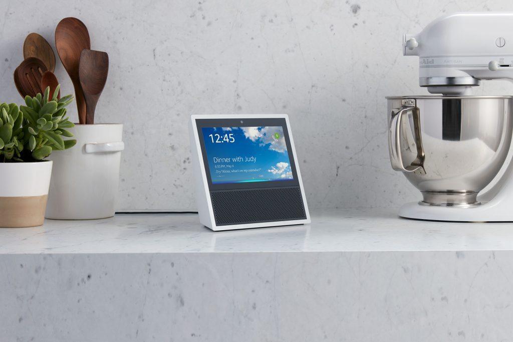 Google Home قد يحصل على شاشة مثل مكبر صوت أمازون Echo Show