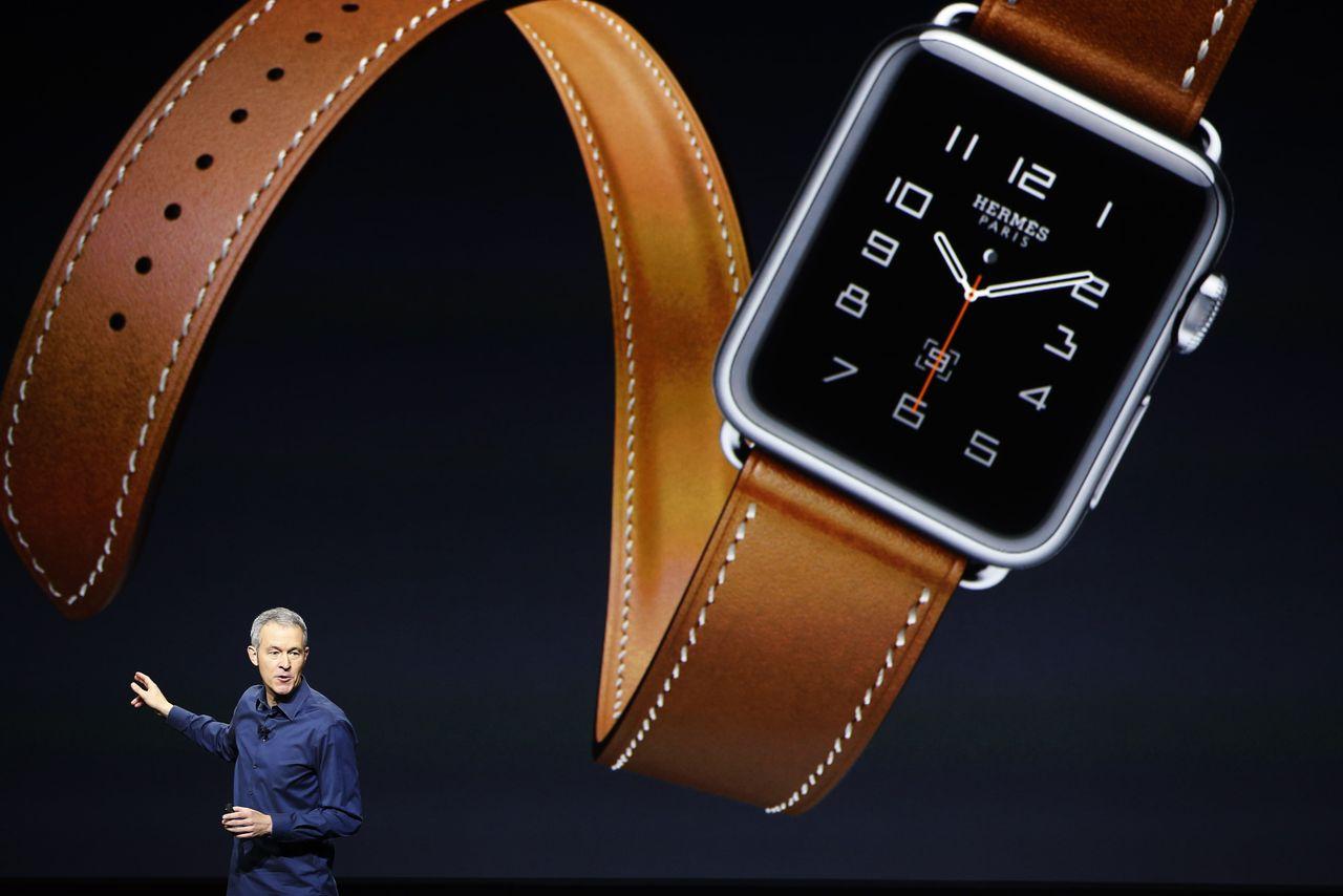 Apple names- Jeff Williams COO