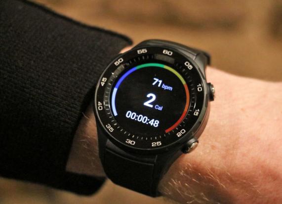 جوجل تعمل على ساعة ذكية تعتمد على الذكاء الاصطناعي لتحسين لياقتك البدنية