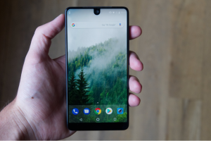 Essential-Phone-to-get-Android-Q-next-year