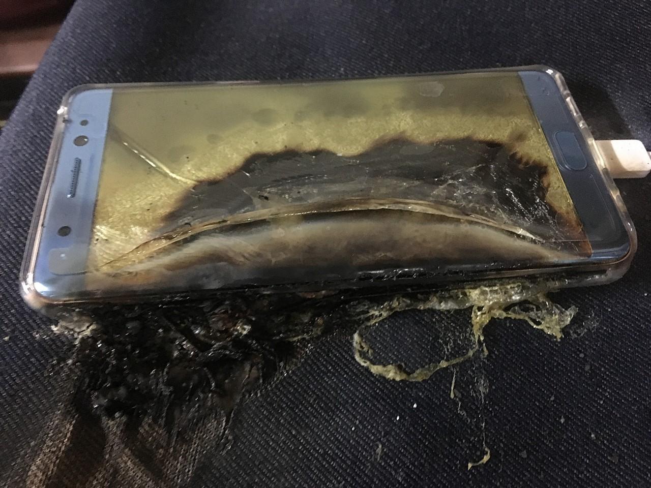 Galaxy-note-7 -phones-catch-fire