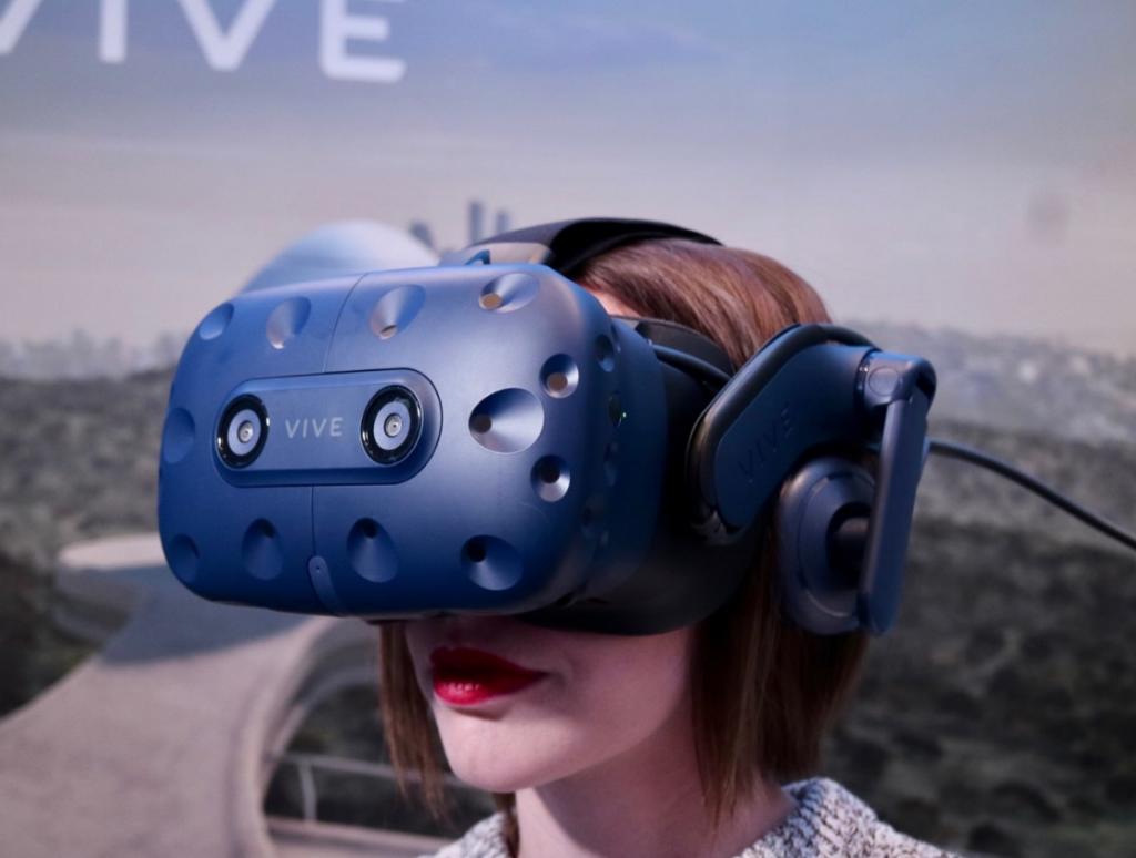 نظارة HTC Vive Pro متاحة للطلب المُسبق بسعر 799 دولار