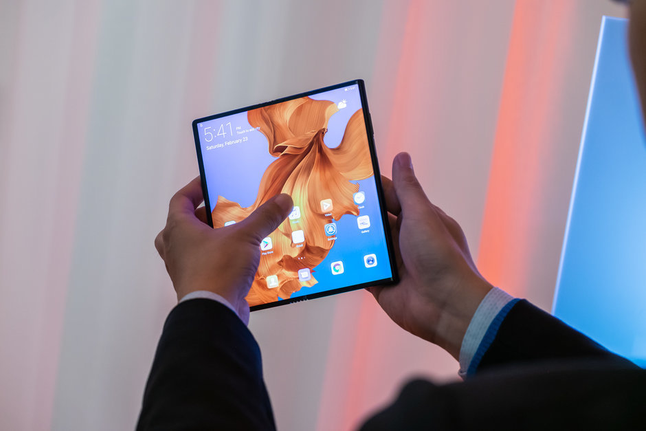 Huawei-admits-half-of-its-flagships-could-sport-foldable-displays-by-2021