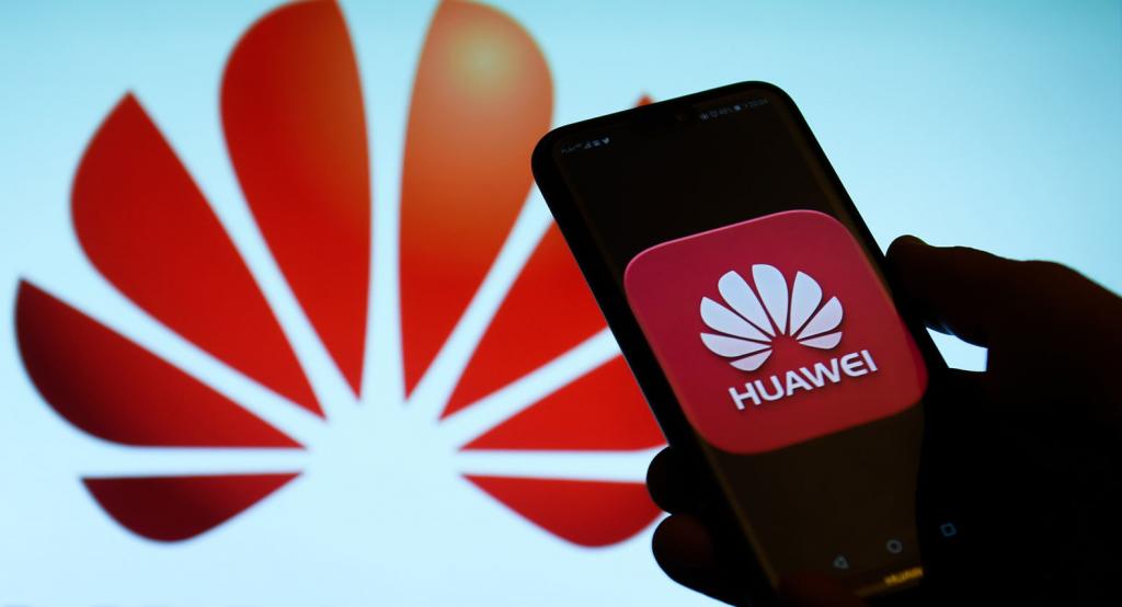 هواوي تخطط لإطلاق هاتف قابل للطي في 2019