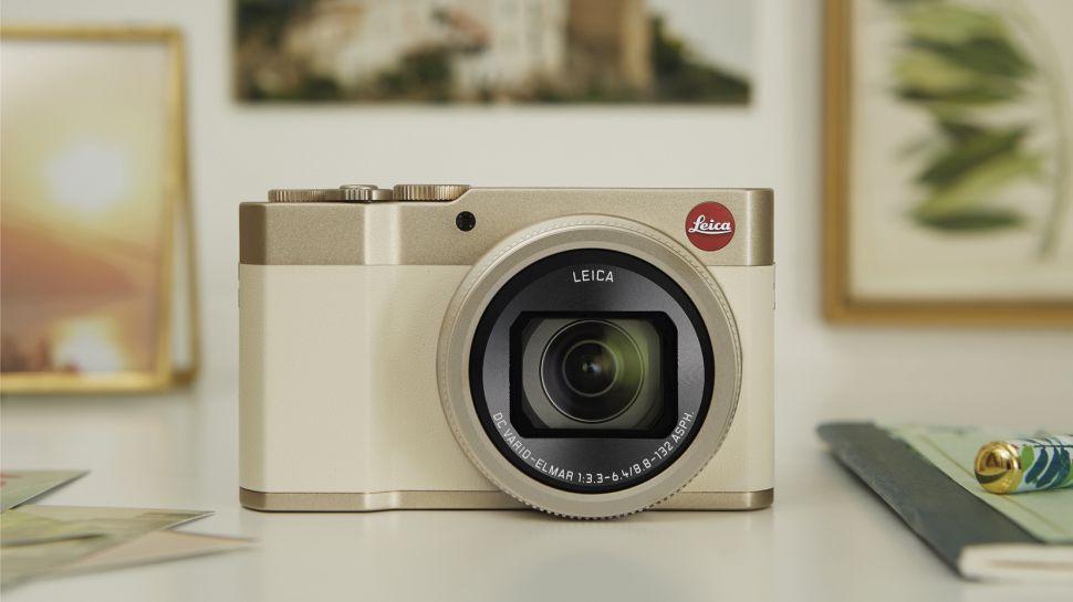 كاميرا Lumix ZS200 / TZ200 من باناسونيك المدمجة مع عدسة Leica