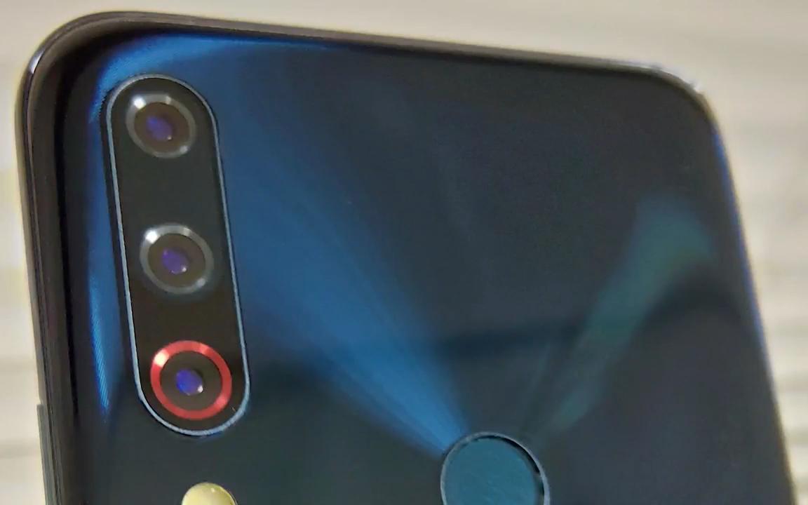 مسربة لأكثر نموذج لهاتف ZenFone Leaked-Asus-ZenFone-