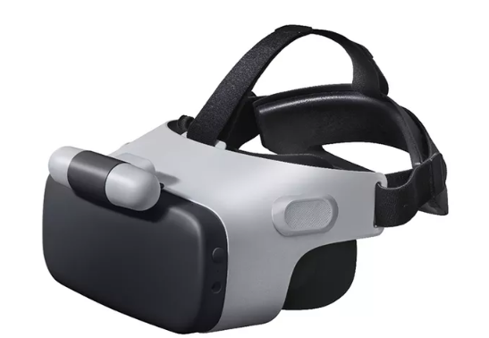 Link VR headset pairs with its U11 smartphone