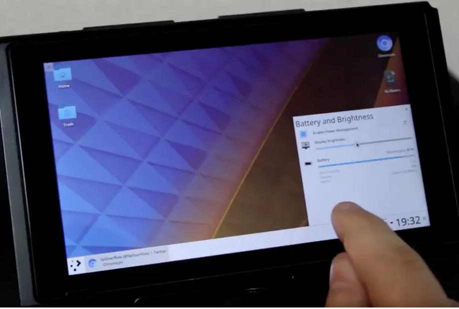 مخترقون يحولون جهاز نينتندو Switch لجهاز لوحي يعمل بنظام Linux