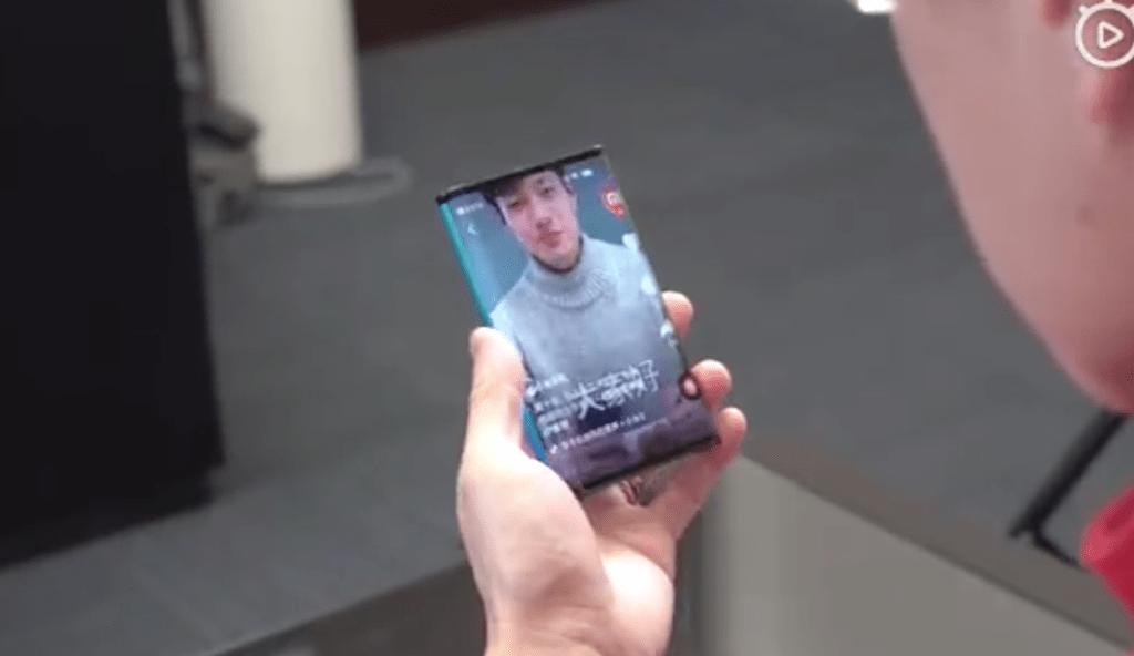 Mi-foldable-phone-2