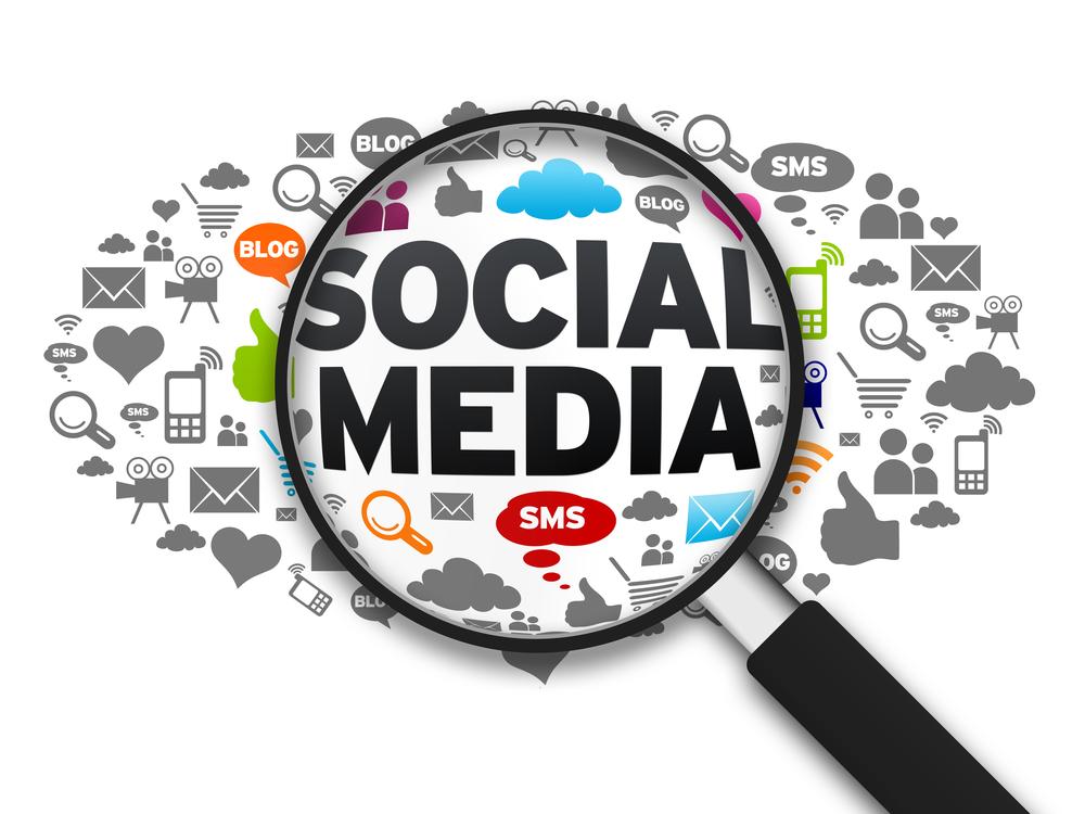 Monitor- Social Media -Posts