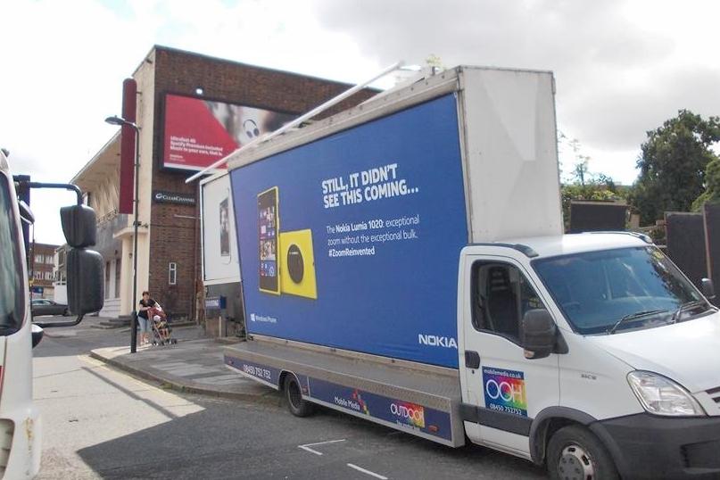 Nokia Pokes Samsung