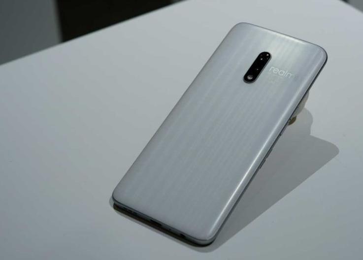 Realme تكشف إصدارات خاصة هاتف Realme-X-garlic.png