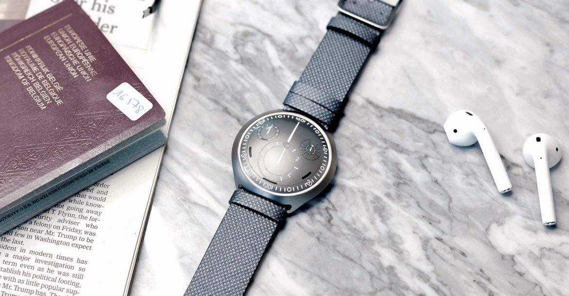 Ressence made a mechanical watch that pairs with your smartphone
