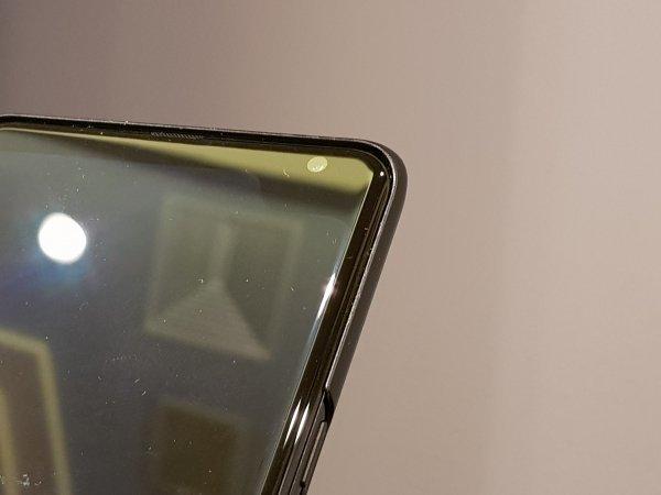 Samsung-5G-demo-phone (2)