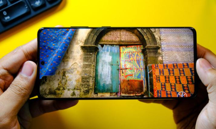 صورة سامسونج تقدم أول شاشة OLED موفرة للطاقة في Galaxy S21 Ultra
