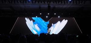 Samsung -debuts foldable- 'Infinity Flex' -display