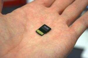 SanDisk-  200GB microSD