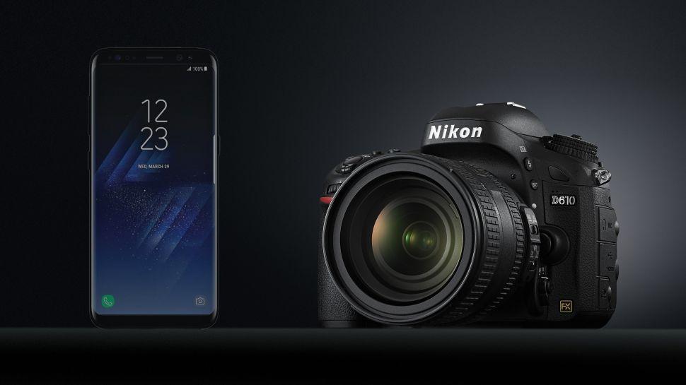 هل يمكن أن تُغنيك كاميرات الهواتف عن الكاميرات الاحترافية؟ Smartphones-vs-camer