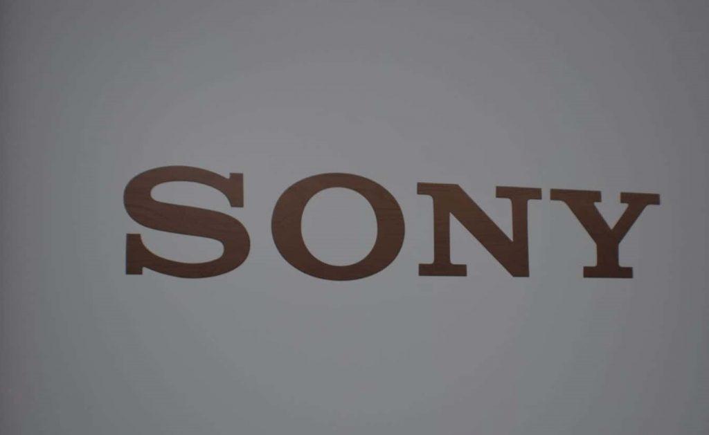 الرئيسي التنفيذي لشركة سوني يؤكد أن الشركة ستستمر في صنع الهواتف