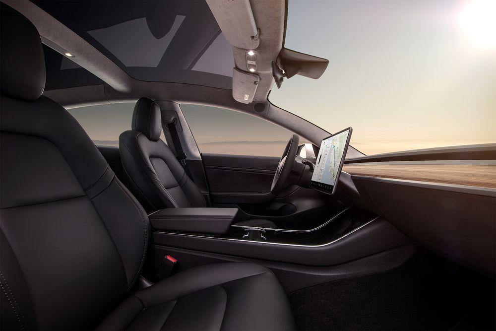 Tesla Model 3 dashboard profile