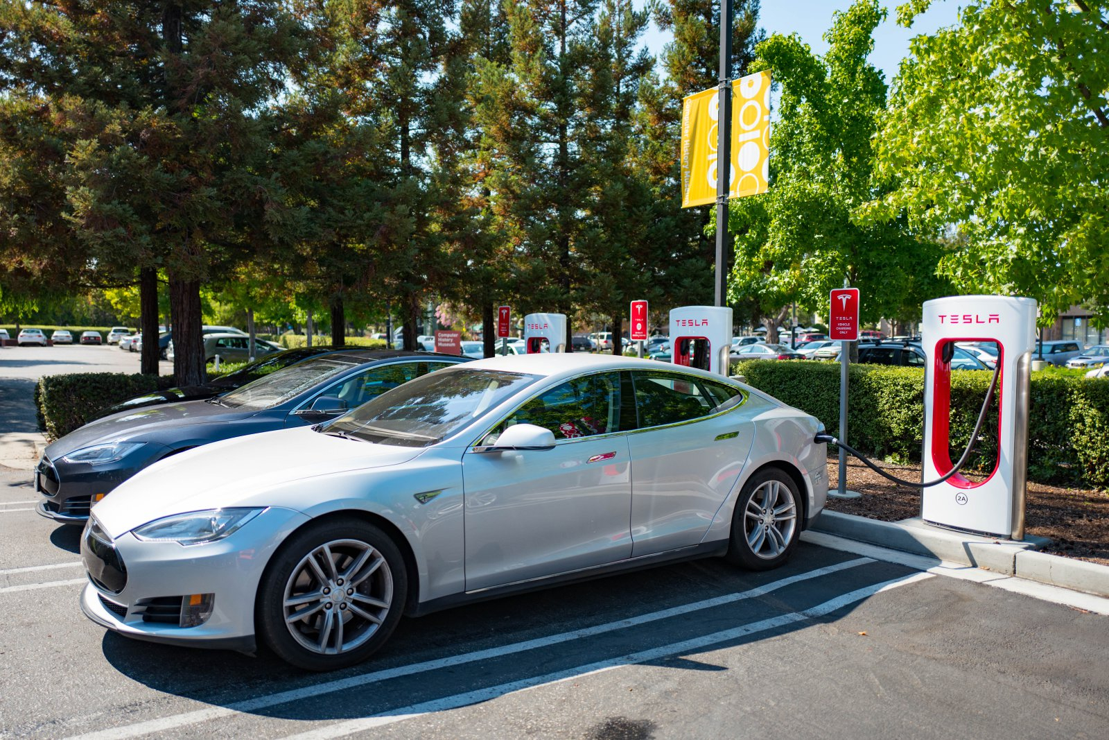 Tesla-next-generation Superchargers