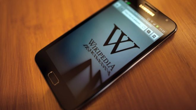 Wikipedia launches edit-checking artificial