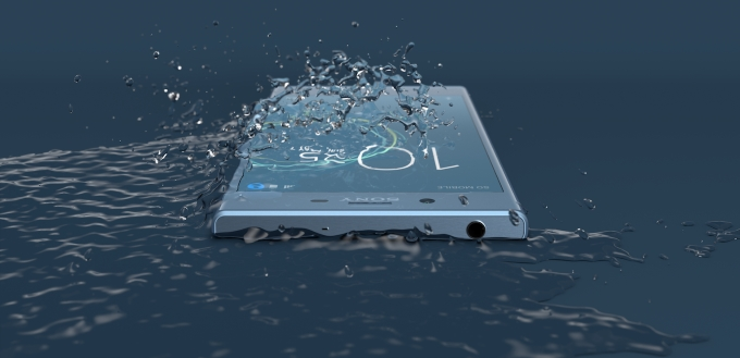 Xperia-xzs-water-res