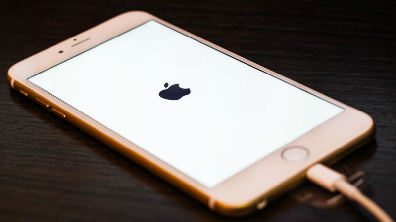 apple-iOS-device