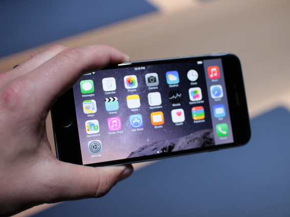 apple-iPhone-6-Plus-review-iOS-8-1
