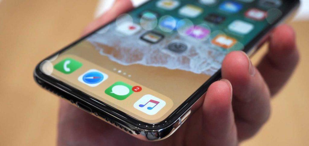 سامسونج تبحث عن عملاء جدد بعد إنخفاض إنتاج هاتف iPhone X