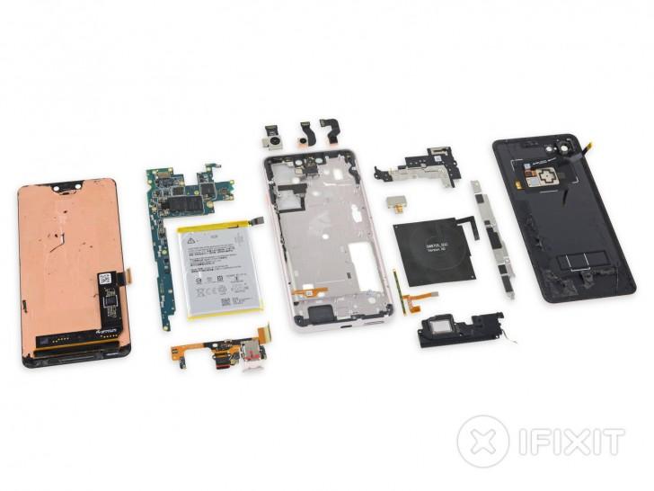 عملية تفكيك هاتف Pixel 3 XL تكشف عن شاشة من صنع سامسونج والعديد من المواد اللاصقة