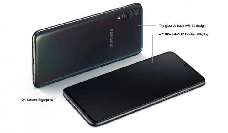 مبيعات هاتف Galaxy A70 ستبدأ gsmarena_002-265.jpg