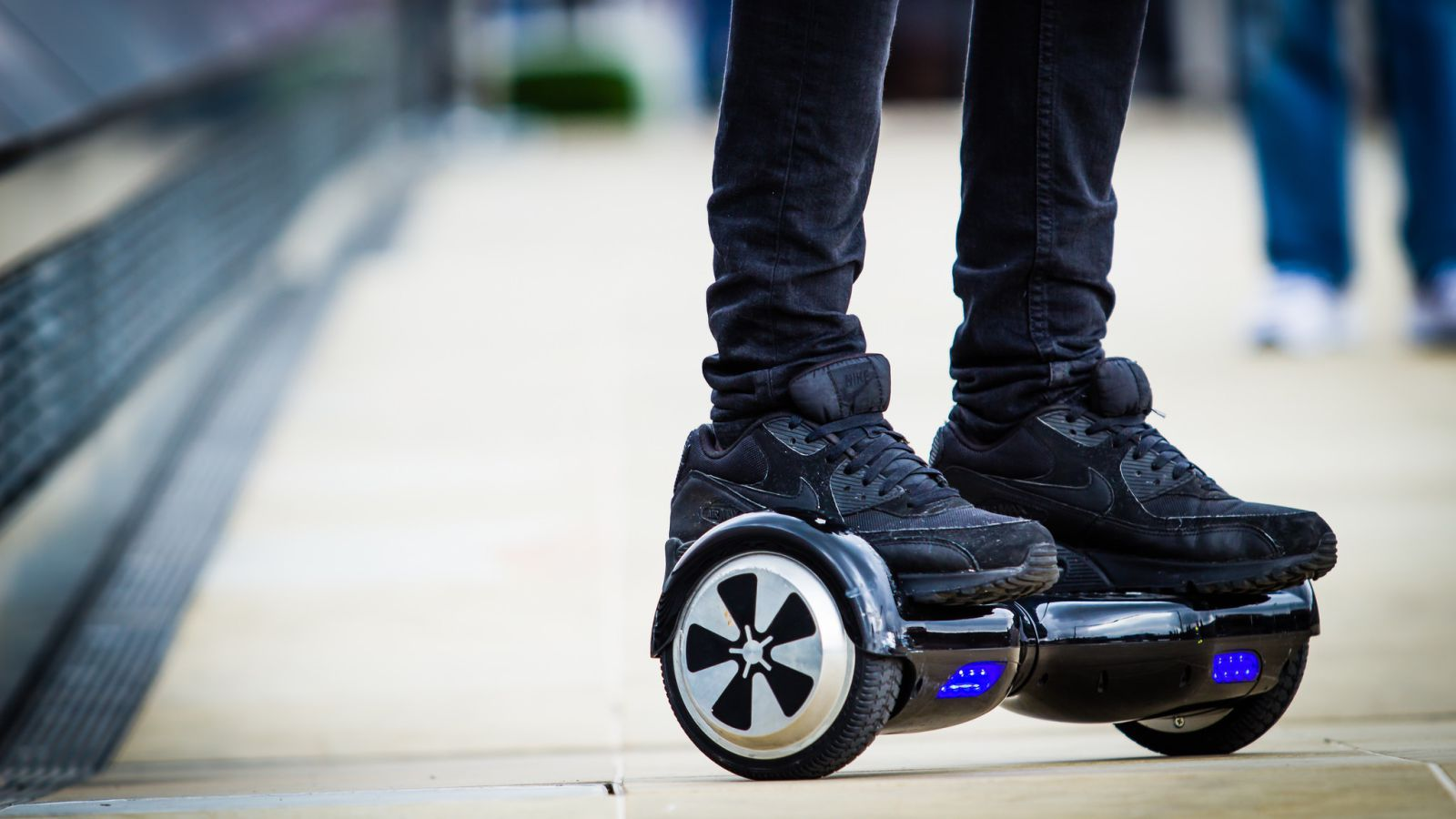 hoverboard-banned- on- plane