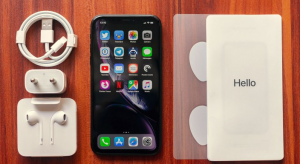 iPhone-XR-unbox