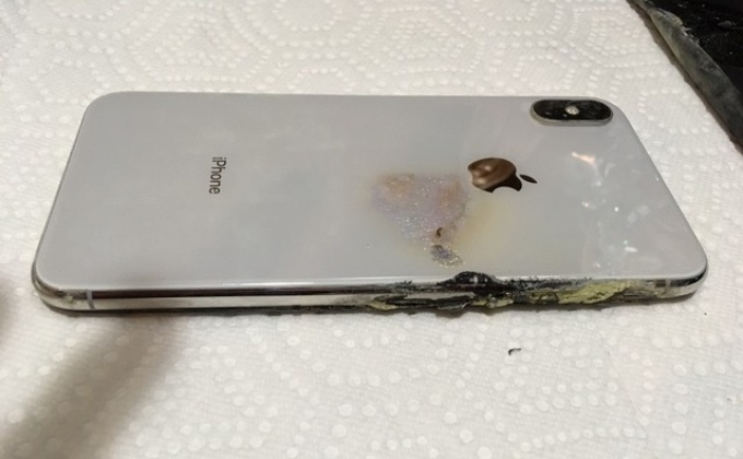 iPhone-XS-Max-explosion-back