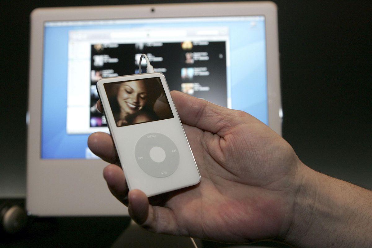 ipod-video-5th-gen-2005