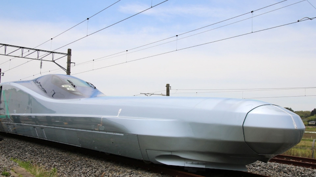 اليابان تبدأ تجربة أسرع قطار japan-begins-testing