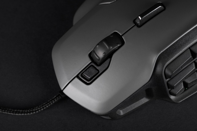 roccat-nyth-top-buttons